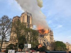 Feuer in der Kathedrale Notre-Dame (Foto: picture alliance/Uncredited/AP/dpa)