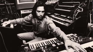Jean Michel Jarre 1977 im Studio (Foto: Sony Music / JMJ Studio Aero Productions)