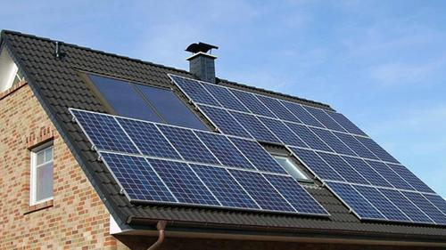 eigenstrom nutzen wie sonnenenergie sich lohnt. Black Bedroom Furniture Sets. Home Design Ideas